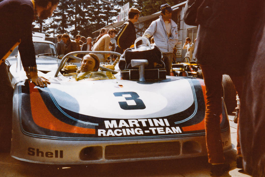 Gerard Larrousse und Vic Elford mit ihrem Martini-Porsche 908. Die Sieger im Jahr 1971.  Foto: Udo Klinkel