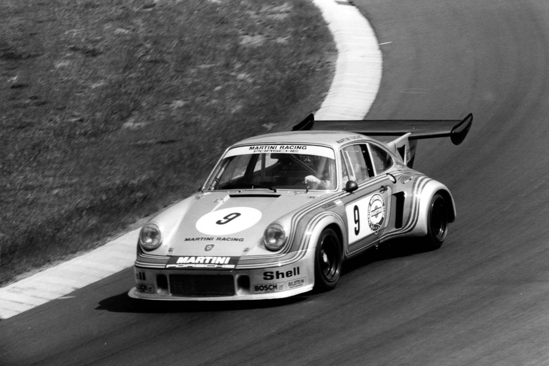 Manfred Schurti und Helmuth Koinigg  mit ihrem Carrera RSR auf dem Weg zum siebten Gesamtrang  im auf 750 Kilometer verkürzten Rennen von 1974.Foto: Christian Höfer