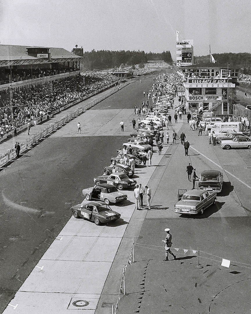 Blick vom Dunlop Turm auf das Teilnehmerfeld (Archiv Völker-Richarz)