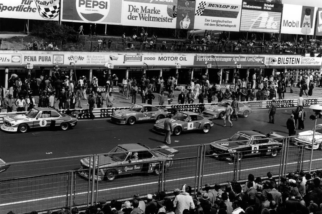 Blick in die Startaufstellung zum 1976er Rennen. Foto: Christian Höfer